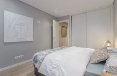 HABITACIÓN DOBLE La cama tiene 150 centímetros de ancho